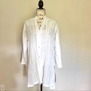 Chico's cotton pintuck tunic-style shirt. White